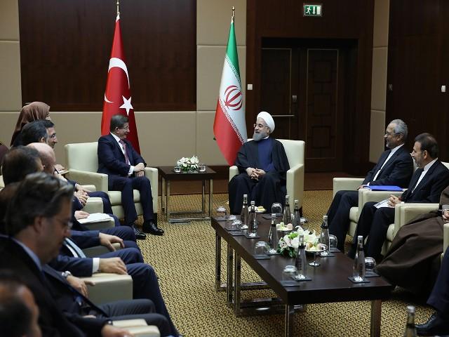 توسعه و تحکیم روابط ایران و ترکیه به نفع دو کشور، منطقه و جهان اسلام است/ صهیونیسم و تروریسم اساسی ترین مشکلات جهان اسلام هستند