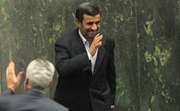 کواکبیان: چرا قوه قضاییه پیگیر پروندههای احمدینژاد نیست؟ /لاریجانی: خب اخطارتان به ما چیست؟