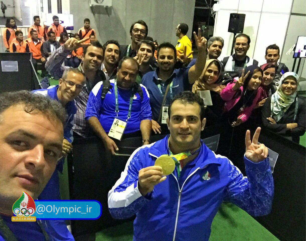 سلفی سهراب مرادی با کاروان المپیک ایران+عکس