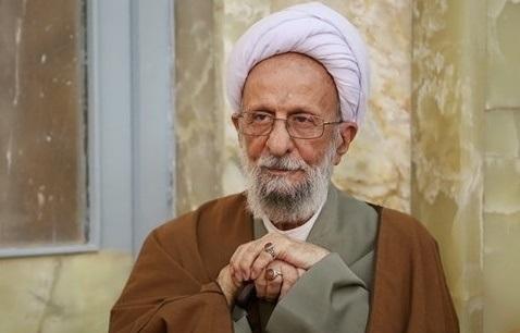 حمله بی سابقه مصباح یزدی به هاشمی رفسنجانی و روحانی