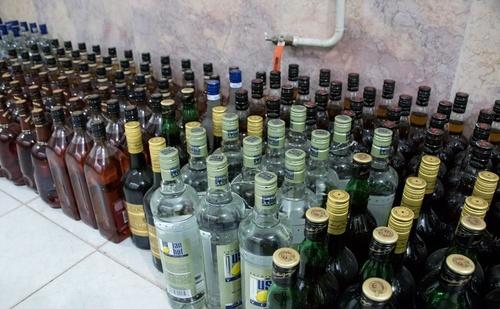 کشف محموله قاچاق مشروبات الکلی (عکس)