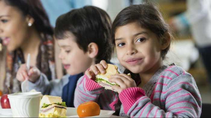 بیش از یک چهارم فرانسویها پول کافی برای خوردن میوه و سبزیجات تازه ندارند