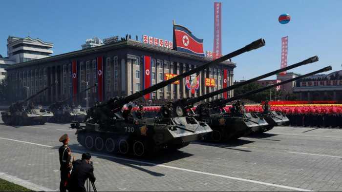 جشن ۷۰ سالگی کره شمالی؛ جای خالی موشکهای قارهپیما در رژه نظامی