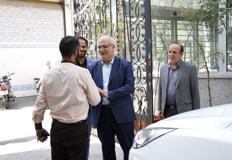 همزمان با برگزاری امتحانات پایان ترم/بازدید و قدردانی رئیس دانشگاه از عوامل برگزاری آزمون در دانشگاه پیام نور تهران جنوب