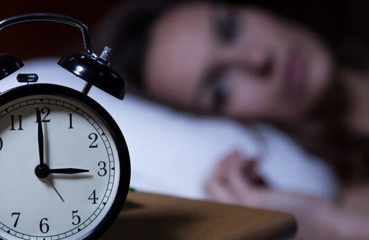 رفع بیخوابی شب با مصرف گلاب